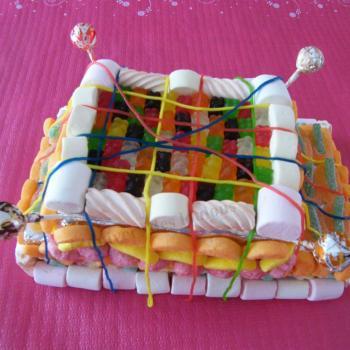 Anniv' 8 ans thème sucettes : piece montée bonbons